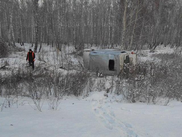 НаЮжном Урале микроавтобус спризывниками попал вДТП