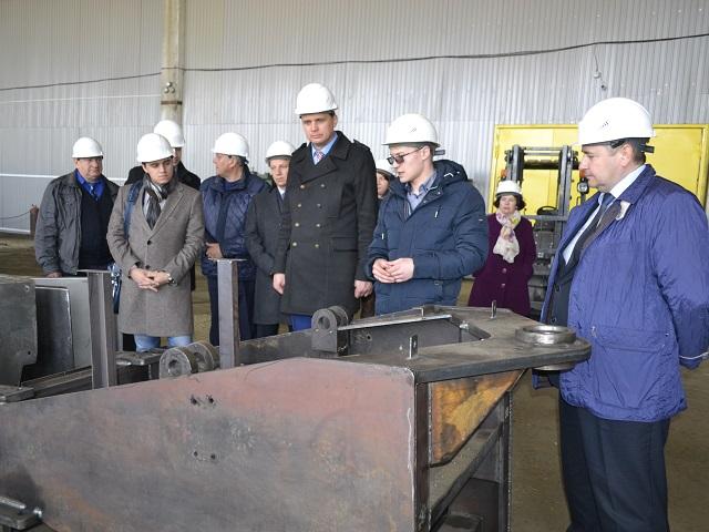 Дубровскому покажут «Станислава». ВТроицке выпустили трактор стоимостью 6,2 млн руб.